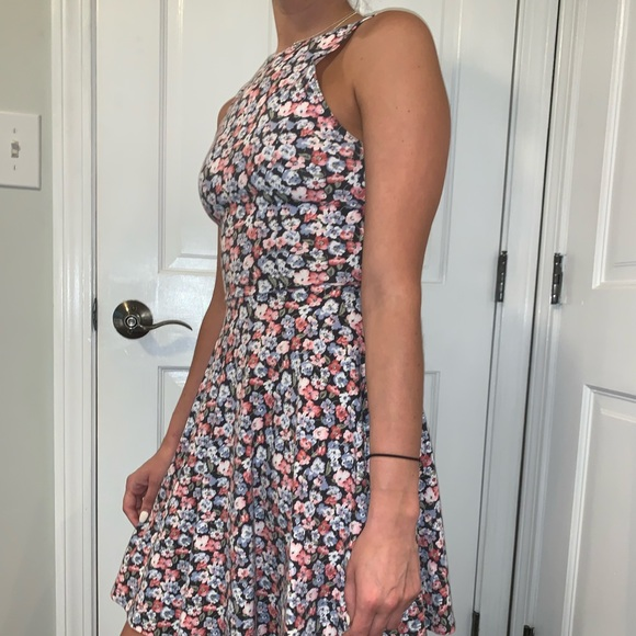 Hollister Dresses & Skirts - This is great for summer!